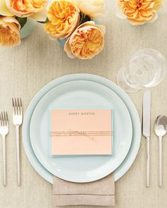 Place Card Stationery Let guests know exactly where they're sitting by putting personalized correspondence cards, which pull double duty as favors, at each setting. They're simple and inexpensive to make. Get the Place Card How-To Wedding Seating Cards, Wedding Place Cards, Wedding Stuff, Dream Wedding, Wedding Bells, Correspondence Cards, Personalized Stationary, Menu, Gold Table