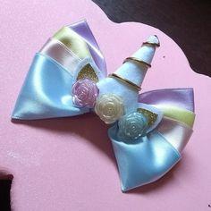 Unicórnio delicado no bico de pato  #lucygifts #lacos #unicornio