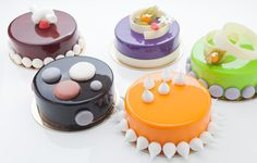 Hours of operation for take-out or dining in at the Culinary Institute of America's Apple Pie Bakery Cafe, located in Hyde Park, New York. Pie Bakery, Bakery Cafe, Mini Cakes, Cupcake Cakes, Cupcakes, Mirror Glaze Cake, Sweets Cake, Mousse Cake, Cake Icing