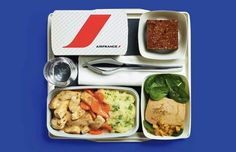 Do you dread airplane food? Then you'll be in for a treat next time you fly on Air France. The airline has launched a new stylish set of dishes and cutlery. Air France, Design Blog, Food Design, Best Airlines, Grubs, Catering, Cutlery, Meals, Dishes