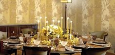 This unique line includes artistic furniture, wallpaper, carpets and other interior art elements. Of course, like any artist Roberto Cavalli has a muse. Artistic Wallpaper, Luxury Wallpaper, Designer Wallpaper, Dining Room Wallpaper, Elements Of Art, Roberto Cavalli, Home Accessories, Sweet Home, Table Settings