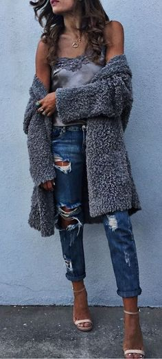 fall outfit ideas / fluffy knit + ripped denim
