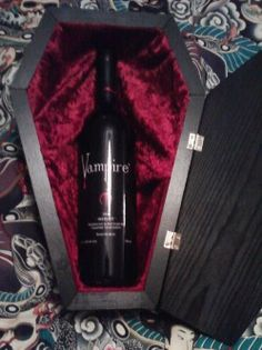 No way! I want it now   *Coffin shaped wine bottle gift box <3 it