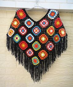 Abuela Plaza Crochet Ponchos con flecos negro