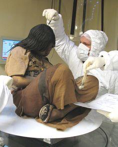 Corps de jeune fille inca sacrifiée il y a 500 ans retrouvé congelé et incroyablement préservé