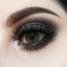 Grey celebration ❕ ❕ ❕ Created using Pro Longwear Paint Pot in Tailor Grey, Eye Shadow in Copperplate (LE) and Deep Damson on the crease and layered on the lower lash line, Eye Shadow in Typographic and #MACSoftServe Eye Shadow in Bounce Around on the eyelid, Eye Shadow in Crystal Avalanche as inner corner highlight, Eye Shadow in Shroom as a brow highlight, and 8 Lash. #Regram from M·A·C Artist @susie.marino at M·A·C Pro Via Dante in Milan, Italy  #MACArtistChallenge #MACPlayLab #MACPi...