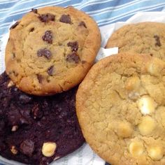 Subway Cookies Recipes – Loving Cooking – Recipes, Cooking Tips, Decorating and More! Subway Cookie Recipes, Subway Cookies, Chip Cookie Recipe, Cookie Do, Chip Cookies, Cookies Receta, Yummy Cookies, Funfetti Cookies, Delicious Desserts