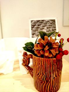 【Easy arranged for Christmas】 With pine cones, red berries in this Perch Cup. You can move to Christmas time immediately. Let's try it!  ◎shop http://coto-mono-michi.jp/#access ◎online http://store.coto-mono-michi.jp/?pid=30596834