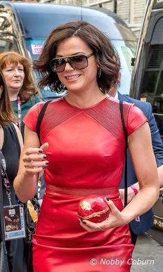 Awesome Lana going to Saturday Regina Mills, Beautiful Latina, Hello Beautiful, Hollywood Actresses, Actors & Actresses, Ouat Cast, Big And Rich, Jennifer Morrison, Celebs