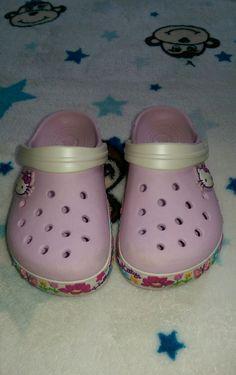 Girls Size 10/11 Hello Kitty Pink Rubber Crocs EUC #HelloKitty #Hellokittycrocs #girlscrocs #pinkcrocs #tenelevenhellokitty