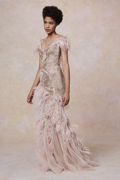 Marchesa Resort 2019 collection, runway looks, beauty, models, and reviews.