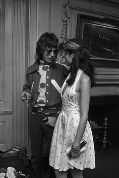 Mick Jagger and Bianca Jagger. Bianca Jagger, Mick Jagger, Studio 54 Fashion, 70s Fashion, Vintage Fashion, Style Année 70, Moves Like Jagger, Mode Vintage, Rolling Stones