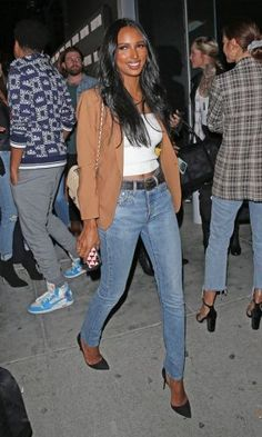 Check out out top 20 selected outfits by Jasmine Tookes, Victoria Secret's angel. She makes these affordable Street Style look Sexy. Disney Princess Tattoo, Punk Princess, Jasmine Tookes, Camel Blazer, Camelo, Classic Tan, Victoria Secret Angels, Marshall Lee, Street Style Looks