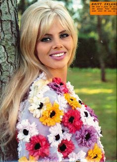 Britt Ekland in Cinerevue magazine That top!