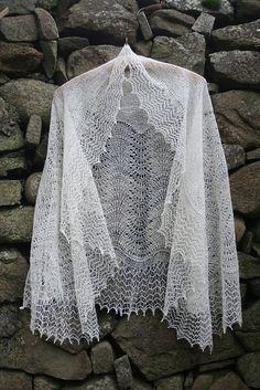 Shetland Shoulder Shawl CW101 pattern by Gladys Amedro