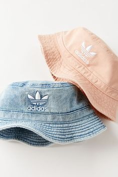 Those iconic three stripes and trefoil logo have topped adidas sneakers, tees, hoodies + so much more for over 60 years. Outfits With Hats, Casual Outfits, Cute Outfits, Girl Outfits, Adidas Bucket Hat, Adidas Originals, Bucket Hat Outfit, Urban Outfitters, Cute Hats