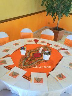 Table des enfants avec livrets d'activités assortis Wedding Prep, Wedding Ideas, Wedding Dance Songs, African Theme, Hibiscus, Safari Theme, Deco Table, Decoration Table, Event Design