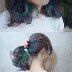 #まなみcolor . グレージュカラーに、ポイントで襟足にGreenのカラーバターを 2色のGreenを使ってます . #SHACHU #hair #color #グレージュ #インナーカラー #green #緑 #ヘアカラー #カラーバター