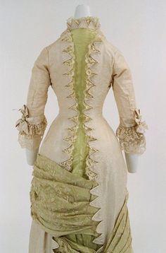 Bunka Gakuen Costume Museum c.1880