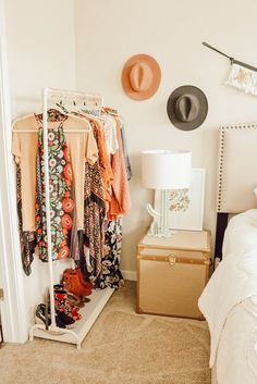 Loving the desert vibes in room. Want to add an instant boho update? look no further than our Cactus Display Table Lamp! (pssst- the base doubles as a super cute jewelry holder! Stylish Bedroom, Cozy Bedroom, Modern Bedroom, Bedroom Decor, Nice Bedrooms, Bedroom Ideas, Wall Decor, Diy Apartment Decor, Minimalist Bedroom