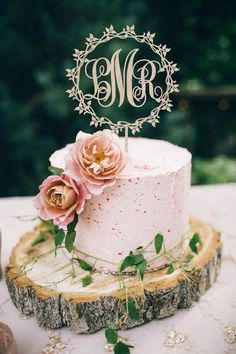 75 (Fun!) + Most Unique Wedding Cake Toppers |