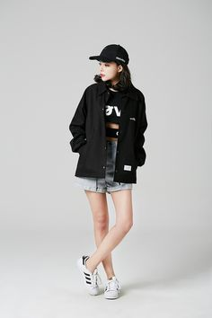 spring korean fashion which look really hot. Korean Girl Fashion, Korean Fashion Trends, Ulzzang Fashion, Asian Fashion, Asian Street Style, Japanese Street Fashion, Street Style Women, 1940s Fashion, Love Fashion