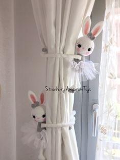 Crochet Ballerina Bunny Curtain Tie back For Nursery decor. Baby Boy Room Decor, Baby Boy Rooms, Nursery Decor, Bunny Crafts, Diy Crafts, Donald Y Daisy, Crochet Curtains, Baby Keepsake, Curtain Tie Backs