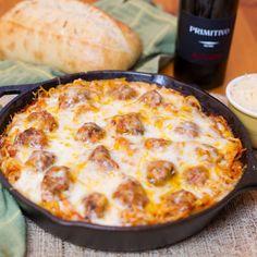 Baked Spaghetti & Meatballs-6 Casserole Recipes, Pasta Recipes, Beef Recipes, Cooking Recipes, Baked Spaghetti Recipes, Easy Baked Spaghetti, Italian Dishes, Italian Recipes, Pasta Dishes