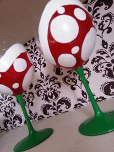 Paranha Plant Wine Glasses.  Super Mario Brothers Geek Love!!:)