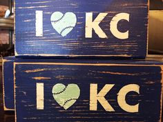 Celebrate a Great Season for the Royals with Local Designs - ThisIsKC - Aurelia Sports Signs, Sports Teams, Royal Room, Kc Royals Baseball, Circle Crafts, Kansas City Royals, Diy Signs, Painted Signs, Craft Gifts