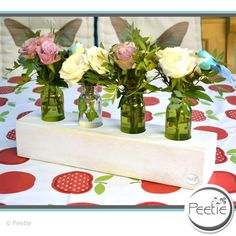 Vasen - Shabby 4er Blumenvase grau Holz Vasenhalter Glas - ein Designerstück von Peetie-Holzdesign bei DaWanda