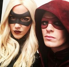 Very busy in Starling City... #coltonhaynes #katiecassidy #Arsenal #BlackCanary #Arrow #Season3