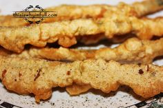 This Beer Battered Zucchini recipe will make any dinner amazing! Simple to prepare and delicious!