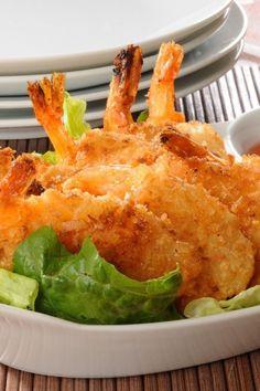 Coconut Shrimp Recipe - Deep fried shrimp dredged through flour, dipped in egg/beer batter and rolled in coconut Healthy Coconut Shrimp, Coconut Shrimp Recipes, Fish Recipes, Seafood Recipes, Cooking Recipes, Shrimp Dishes, Fish Dishes, Week Of Healthy Meals, Healthy Recipes