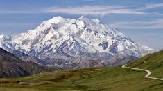 Unser Erlebnisvideo über den Denali Der Denali (von 1917 bis 2015 offiziell Mount McKinley) in Alaska ist mit 6190 Metern Höhe der höchste Berg Nordamerikas. Reiseberichte Barack Obama, Ohio, Kenai Peninsula, Alaska Adventures, Mount Washington, Large Animals, Rafting, Rocky Mountains, East Coast