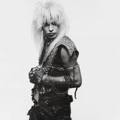 cause I'm alive, live wireeEEeEEeEeeEe . Too Fast For Love, Motley Crue Nikki Sixx, Hair Metal Bands, Hair Bands, Badass Pictures, Musical Hair, Shout At The Devil, Mick Mars, Vince Neil