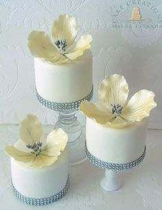 Flower & Bling Mini Cakes