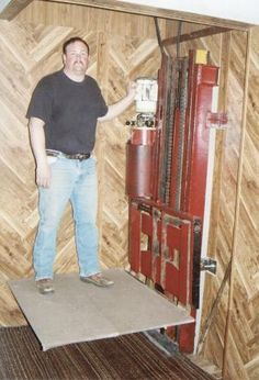 FARM SHOW - Forklift Mast Make Great In-Home Elevator
