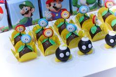 Festa do Mario Bros para os 5 anos do Mateus. Esta festa também foi personalizada com o desenho do próprio aniversariante como sendo o Mario...