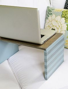 How to make a DIY wooden lap desk with plywood and fiberboard. This lap desk is stylish AND budget friendly. Do It Yourself Design, Do It Yourself Projects, Home Projects, Projects To Try, Wood Crafts, Diy Crafts, Portable Desk, Lap Desk, Ideias Diy