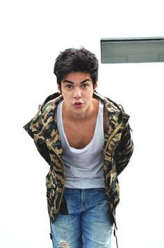 LOOKBOOK: Military Jacket - Vini Uehara