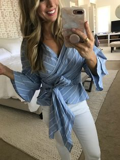Cute stripe top and white jeans outfit Summer Fashion Trends, Spring Fashion, Summer Trends, Spring Outfits Women, Casual Summer Outfits, Spring Tops, Summer Tops, Summer Fun, Mom Style