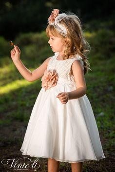 Φόρεμα βάπτισης Vinte Li 2909 μαζί με κορδέλα για τα μαλλιά, annassecret Girls Dresses, Flower Girl Dresses, Spring Summer, Wedding Dresses, Fashion, Cute Babies, Dresses Of Girls, Bride Dresses, Moda