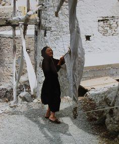 -foto in Karpathos, door: RReintjes Zorba The Greek, Columbus Travel, Go Greek, Greek Culture, Parthenon, Greece Travel, Greek Islands, Windmill, Old Pictures