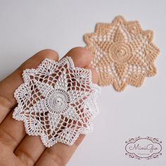 One miniature crochet doily handmade with viscose embroidery thread and a tiny hook. This doily will give a romantic touch to you dollhouse, perfect for 1:12 scale, the stitches are so small that it can also be used in 1:24 scale. It measure 5.5 cm (2 3/16) Choose your color! Each doily is