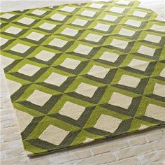 3D Trellis in Shady Greens Indoor-Outdoor Rug  Great golf theme rug on porch.