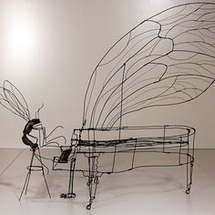 Martin Senn is a German artist who creates three-dimensional works using wire. Working the wire as if he was drawing with a pencil, Martin crafts simple and direct studies of the forms and compositions of everyday objects.