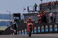 8-in-a-row 🙌 // @marcmarquez93 #WheelieWednesday #MotoGP  Repost by @motogp