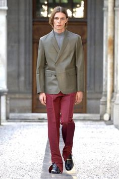 Dunhill Spring 2019 Menswear Fashion Show Collection: See the complete Dunhill Spring 2019 Menswear collection. Look 2