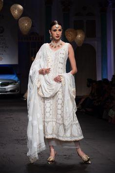 Meera Muzaffar Ali 4 Pakistani Dresses, Indian Dresses, Indian Outfits, Pakistani Bridal, Lakme Fashion Week, India Fashion, Asian Fashion, Indian Bridal Fashion, Bridal Fashion Week